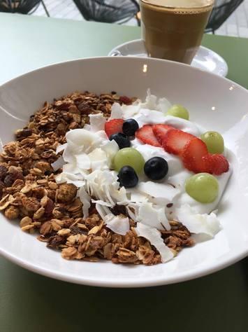 hotspot, blog, vegan, sue, rotterdam, lactosevrij, glutenvrij, suikervrij, gebak, healthy, healthy food, organic, snack, healthy lifestyle, organic happiness, foodblog, biologische foodblog