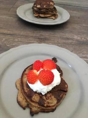Blog, pancakes, ei, pannenkoeken, havermout, ei, banaan, fruit, kwark, ontbijt, ontbijtrecept, biologisch, gezond recept, lekker recept, makkelijk recept, recept, biologische foodblog, foodblog, organic happiness, banaanpannenkoekjes