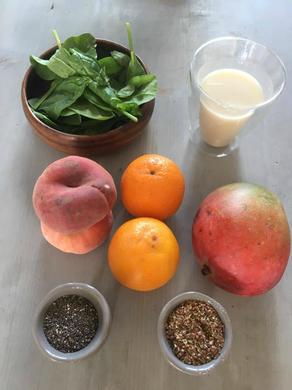 mango, blog, smoothie, smoothie sunday, spinazie, lijnzaad, chiazaad, sinaasappel, gezonde recepten, lekker, foodblog, organic happiness, biologische foodblog, lactosevrij